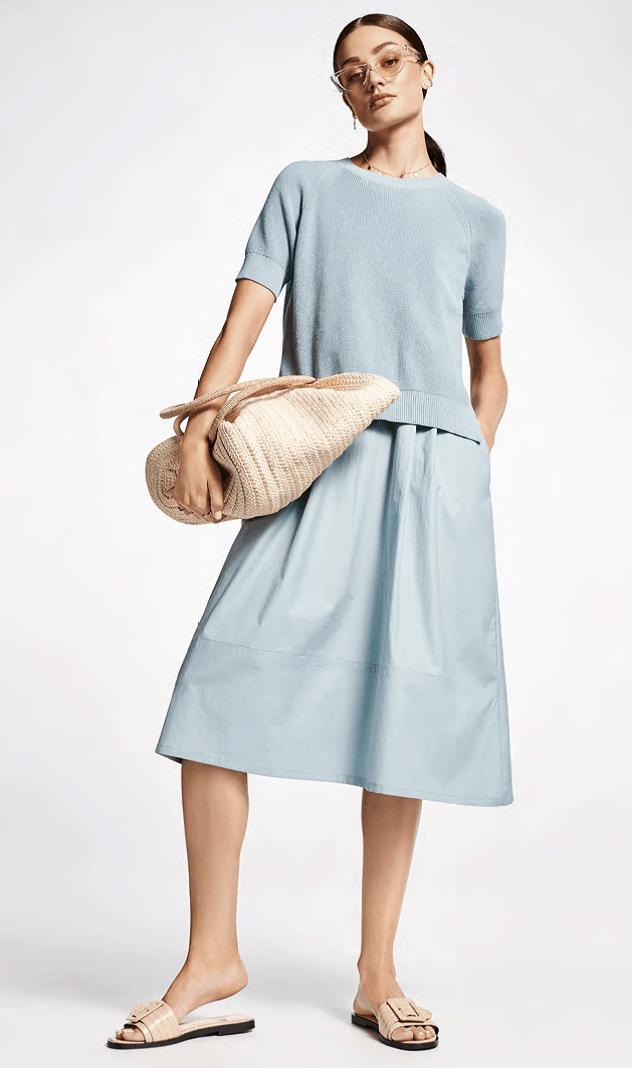 2delig trui op mouwloze jurk in lichtblauw riani tineb oudenaarde damesmode