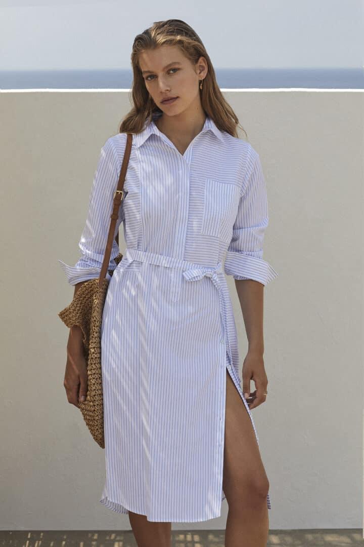 hemdsjurk wit katoen met lichtblauw streepje rosso35 tineb oudenaarde damesmode