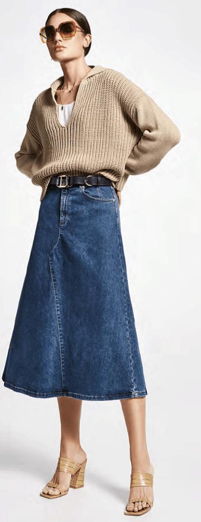 zandkleur trui grof gebreid op jeansrok riani tineb oudenaarde damesmode