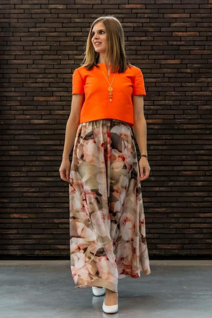 nxi lange rok bloemdessin gekleed tineb oudenaarde