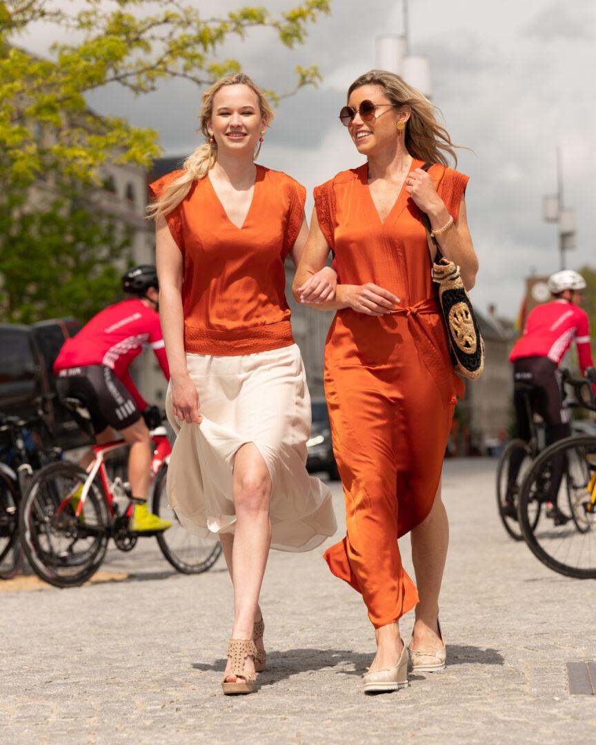 zomerjurk oranje en top oranje ecru rok dante6 tas unmade tineb oudenaarde damesmode