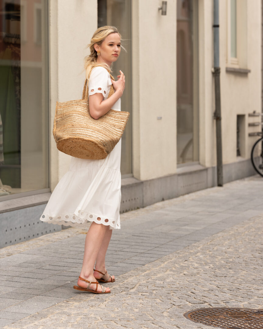 zomerjurk wit ruches ajour riani mand unmade tineb oudenaarde damesmode
