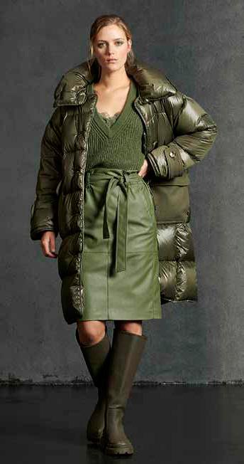 mosgroene trui op rechte rok ecoleder luisa cerano 19 tineb oudenaarde damesmode
