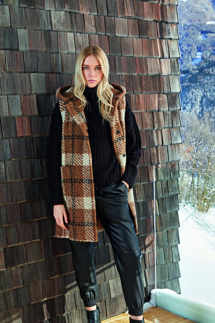 trends Mouwloze ruit jas met kap in wol Cinzia Rocca