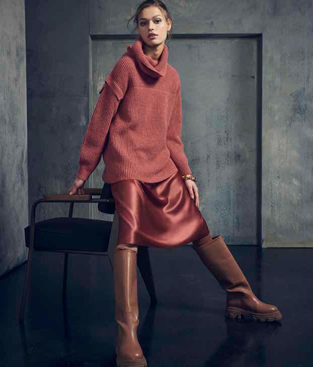 Trends Oversized trui satijn rok framboos Luisa Cerano