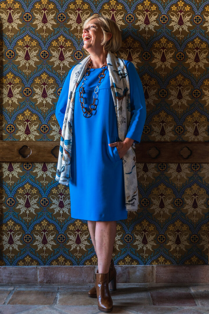 kobaltblauwe jurk print sjaal riani 106 tineb oudenaarde damesmode